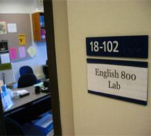 English 800 Lab Sign